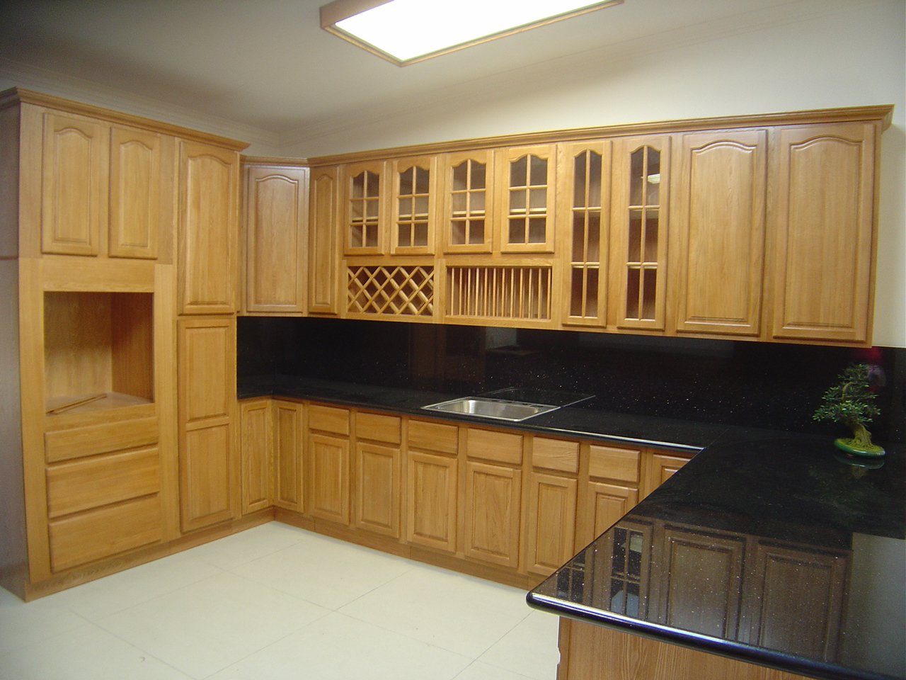 Natural oak kitchen cabinets solid all wood kitchen for All wood kitchen cabinets