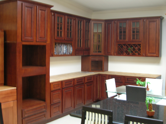 Mahogany kitchen cabinets mahogany and white kitchen co for Cherry vs maple kitchen cabinets