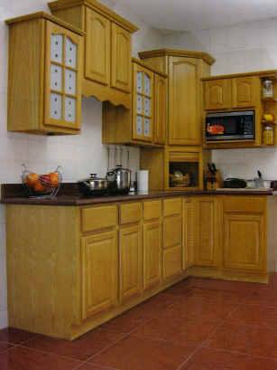 Natural Finish Oak Kitchen Cabinets